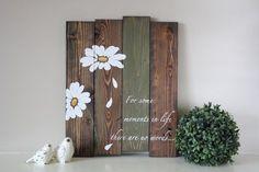 Reclaimed wood wall art Pallet wall art Daisy wall art