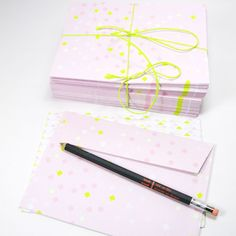 BL-ij 'all neon like..' pink neon yellow envelope