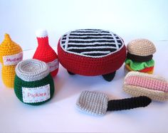 Posts about Play Food BBQ written by Claudia Owen Crochet Round, Cute Crochet, Crochet For Kids, Single Crochet, Crochet Baby, Crochet Cupcake, Crochet Coat, Crochet Dolls, Knitted Dolls