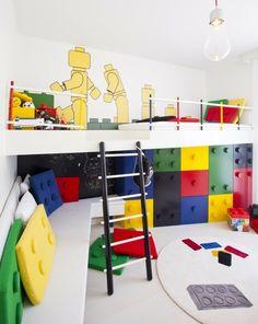 aménagement pour une chambre d`enfant en style originale lego