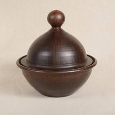 Artículos similares a Round Tagine en Etsy Turning Tools, Wood Turning Projects, Black And White Painting, Wood Lathe, Box With Lid, Little Boxes, Kitchen Essentials, Wood Boxes, Restaurant Design