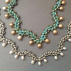 Suoerduo beads vs. Miniduo beads. Beth Stone- I like this for a green holly red berries look.
