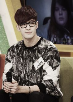 Why is it like a hotness multiplier with glasses!? Ugh, so freaking cute James Lee! #RoyalPirates
