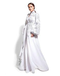 Ukrainian designer Yuliya Magdych combines ukrainian traditions and modernity. W Dresses, Boho Style Dresses, Fashion Dresses, Modest Fashion, Kimono Fashion, Boho Fashion, White Boho Dress, Bohemian Blouses, Folk Clothing