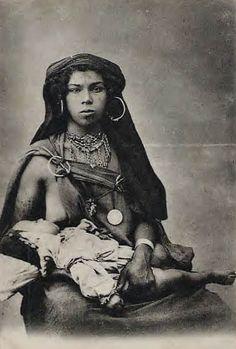 Africa: Amazigh berber woman, Morocco