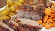 Boston Pork Butt: World's Best Pork Roast Recipe - Delishably - Food and Drink Best Pork Roast Recipe, Pork Roast Recipes, Meat Recipes, Crockpot Recipes, Cooking Recipes, Good Roasts, How To Cook Pork, I Love Food, Pot Roast