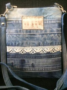 Denim Jean Purses, Denim Purse, Sewing Hacks, Sewing Projects, Jean Crafts, Love Jeans, Recycled Denim, Purse Patterns, Fabric Crafts
