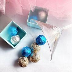 """Harlequin Chocolates on Instagram: """"Emelem poharam a hosszú hétvégére és a rendezvényre Harlequin csokikkal! 🥰 Jó pihenést Nektek! #harlequinchocolates #csokoládé #rendezvény…"""" Druzy Ring, Chocolates, Stud Earrings, Instagram, Jewelry, Jewlery, Jewerly, Chocolate, Stud Earring"""