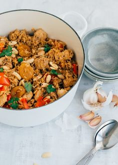 Chicken pilav with apricots (single-pan dish) - WDF Asian Recipes, Healthy Recipes, Ethnic Recipes, Feel Good Food, Happy Foods, Camping Meals, Fried Rice, Easy Meals, Cooking Recipes