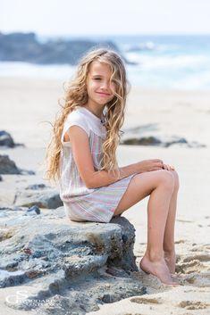 Beautiful Alexandra ~ Photographed in Laguna Beach Little Blonde Girl, Little Girl Models, Child Models, Preteen Girls Fashion, Young Girl Fashion, Teen Girl Outfits, Fashion Children, Beautiful Little Girls, Cute Little Girls