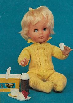A Babysuit for a Baby doll, pattern from Checkers Value. Doll Clothes Patterns, Doll Patterns, Clothing Patterns, Print Patterns, Knitting Stitches, Knitting Patterns, Vintage Dolls, Baby Dolls, Knit Crochet