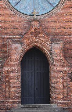 Church Door, Shreveport, Louisiana Louisiana History, Louisiana Homes, Cool Doors, Unique Doors, Southern Accents, When One Door Closes, Old Churches, Black Doors, Facades
