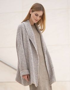 Book Woman Concept 1 Autumn / Winter | 1: Woman Coat | Light grey / Beige