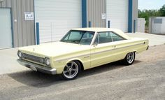 """""""Old Yeller"""" 66 Belvedere w/wheels nothing special. Plymouth Muscle Cars, Dodge Muscle Cars, Old Yeller, Plymouth Belvedere, Dodge Chrysler, Old School Cars, Drag Cars, American Muscle Cars, My Dream Car"""
