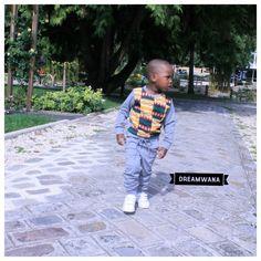 Découvrez l'ensemble Alpha-Oméga ♀♂ Un ensemble en molleton confortable aux couleurs africaines, pour que l'enfant soit bien à l'aise dans ses mouvements. Le wax réveille le sweat et  fait de l'éternel sweat shirt une tenue chic et décontractée.  Voilà une tenue pratique et tendance !  Tailles disponible : 12 mois à 5 ans  Série limitée ! 📬 Livraison IDF  dans un 🎁 ✉dreamwana@hotmail.com ou  instadirect  #postit #postits #vacances #grandesvacances #soleil #dad #mom #amour #mesenfants…
