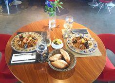 Buenas tardes! Así empezamos nuestro finde. Con una deliciosa Paella Marinera. Os esperamos para un buen rato, #Mirandoalmar ⚓️#restaurant #catalunya #findellego #viernes #comida #paella