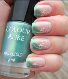 ChitChatNails - Funky Flakie French