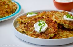 Healthy Cauliflower Fritters (Just a Taste) - Vegan Cauliflower Cauliflower Fritters, Vegan Cauliflower, Cauliflower Recipes, Healthy Cooking, Healthy Snacks, Healthy Eating, Cooking Recipes, Healthy Side Dishes, Veggie Dishes