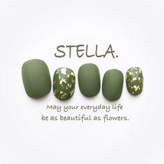 """ถูกใจ 40 คน, ความคิดเห็น 5 รายการ - Handmade shop STELLA. (@nailshopstella) บน Instagram: """"♡ 昨日アップした ボルドー×金箔ホロの抹茶バージョン。 こちらもシックで上品です♡ 【1set 1,080yen】 ・ STELLA.のデザインは サイズ変更もカラー変更も無料です。…"""""""