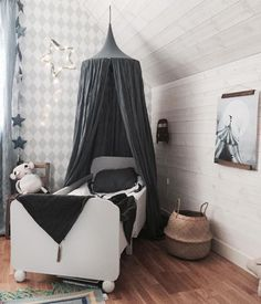 In love with this super cool room! n°74 featured products: Numero74 canopy and blanket in Dark Grey color! #numero74 #kidsdecor #kidsroom