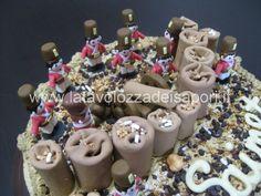 Torta di Panna con Soldatini in Pasta di Zucchero   http://www.latavolozzadeisapori.it/ricette/torta-di-panna-con-soldatini-in-pasta-di-zucchero