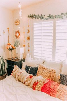56 bohemian minimalist bedroom ideas with urban outfiters 20 56 bohemian minimalist bedroom ideas with urban outfiters 20 is part of Cool dorm rooms 56 bohemi Room, Room Design, Bedroom Design, Home Decor, Room Inspiration, Apartment Decor, Stylish Bedroom Design, Dorm Room Decor, Dream Rooms
