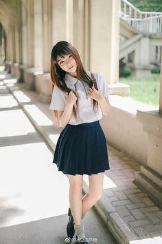 Find images and videos about cute, babes and beautiful girl Cute School Uniforms, School Uniform Fashion, Japanese School Uniform, School Uniform Girls, Girls Uniforms, School Girl Japan, Japan Girl, Cute Asian Girls, Cute Girls
