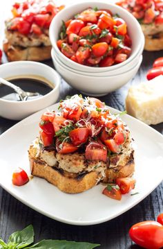 Turkey Bruschetta Burgers | Juicy turkey burgers topped with fresh tomato basil salad and a balsamic drizzle!