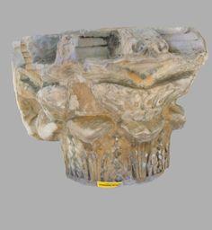 capitello medievale ritrovato presso l'altare maggiore della chiesa di Sant'Antonio Abate in Decimomannu (CA) Sardegna Italia