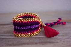 NEW: limited edition OOAK beautiful peruvian woven bracelet with big tassel, framed with heavy chain