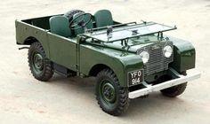 Love vintage Land Rovers
