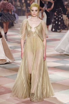Christian Dior Spring 2019 Couture Collection - Vogue