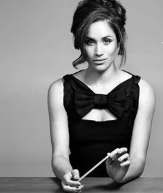 Meghan Markle Would Rather Snap This Pencil Than Do Another Take