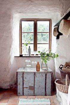 En el veranito, lo que se lleva, es decorar nuestra casa de vacaciones al estilo ibicenco.   Yo concibo este estilo como frescura, simplicid...