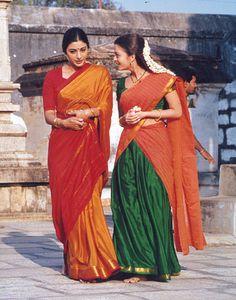 A rare photo of actress Tabu and Aishwarya Rai Bollywood Photos, Bollywood Stars, Bollywood Fashion, Vintage Bollywood, Beautiful Bollywood Actress, Beautiful Indian Actress, Indian Dresses, Indian Outfits, Saris
