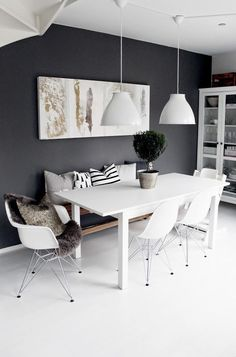 Dining room with grey wall | Cecilies Lykke: ALL WHITE