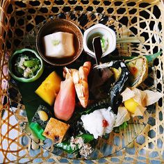 https://flic.kr/p/vQj1VB | When traveling abroad, some of the best cultural experiences are through trying local cuisine. Pictured here is an assorted display of tasteful bites from Shoraian restaurant in Kyoto. #shoraian #kyoto #japan #kaiseki #kaisekiryori #arashiyama #yudofu #to | by travel.tripcipe bit.ly/1gsnwSV