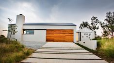 Inside Outside, Outside Living, House Entrance, Industrial House, Interior Architecture, Garage Doors, Shed, Outdoor Decor, Spaces