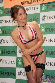 【画像あり】安枝瞳(28)とかいう顔も身体も満点なグラビアアイドルwwwwww : キニ速