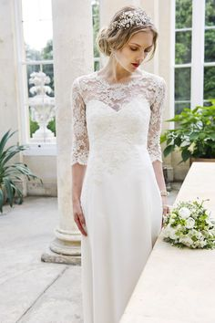 Understated chic, utterly stunning wedding dresses | Loiuse Selby
