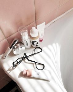 Some days you just need a fresh start and an easy list of essentials. These @glossier pretties are in my constant rotation as of late! boy brow perfecting skin tint stretch concealer cloud paint haloscope 20 % off your first order $5 off Your reorder with the code FATMASCARA $6 off any two cloud paint shades with 2BLUSH and free shipping on any order over $30!!