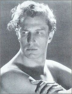 A Young, Handsome and Shirtless Vincent Price