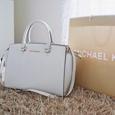7dcb682d876de MICHAEL Michael Kors Jet Set Travel Continental Wallet.