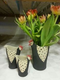 Ideas on How You Can Use Pottery for Your Dining Room Clay Birds, Ceramic Birds, Ceramic Animals, Ceramic Vase, Hand Built Pottery, Slab Pottery, Pottery Vase, Ceramic Pottery, Thrown Pottery