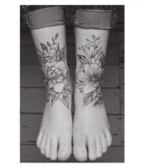 foot tattoos for women flowers Ankle Tattoos For Women Mandala, Front Ankle Tattoos, Ankle Foot Tattoo, Leg Tattoos Women, Tattoos For Women Flowers, Knee Tattoo, Calf Tattoo, Flower Tattoos, Girly Tattoos