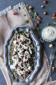 Easy vegan spinach and mushroom quinoa. Very healthy,student friendly and affordable. l Stefani Weiss #vegan #mushroom #spinach #quinoa #healthy