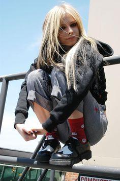 Jim-Cooper-photoshoot-2004-avril-lavigne-29747641-1330-2000.jpg (1330×2000) *Avril Lavigne - all for beauty ->>> | http://fas.st/1m_YV7 *Avril Lavigne - all for beauty ->>> | https://tpv.sr/1QoBwpn/