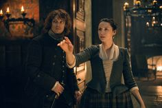 """HQ still of Jamie and Claire from """"The Fox's Lair""""."""