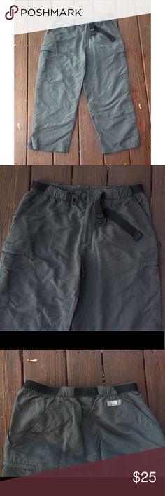 "☀️EUC The North Face Dark Gray Cargo Shorts Medium The North Face Dark Gray Cargo Shorts, size Medium, in excellent used condition. Inseam 23-23.5"". The North Face Shorts Cargos"