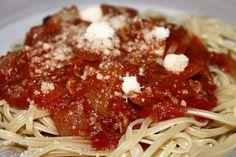 Los tallarines con boloñesa es una receta de pasta típica de la dieta mediterránea que gusta a casi todos. Los ingredientes de este plato hacen de él un al